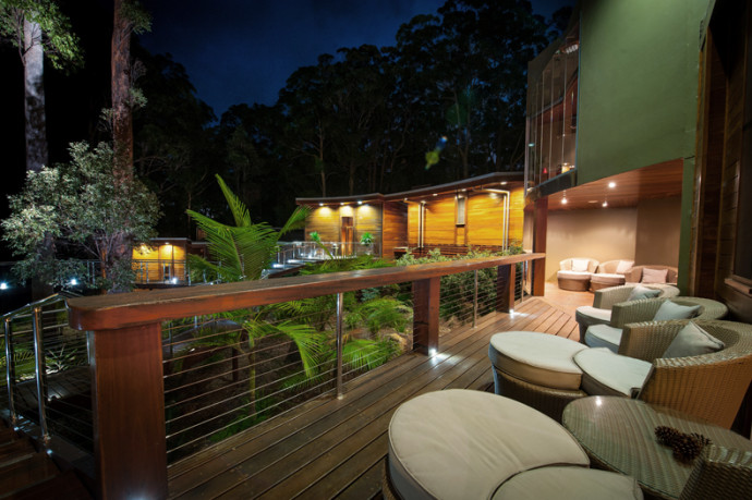 Spa-night-outdoor-deck