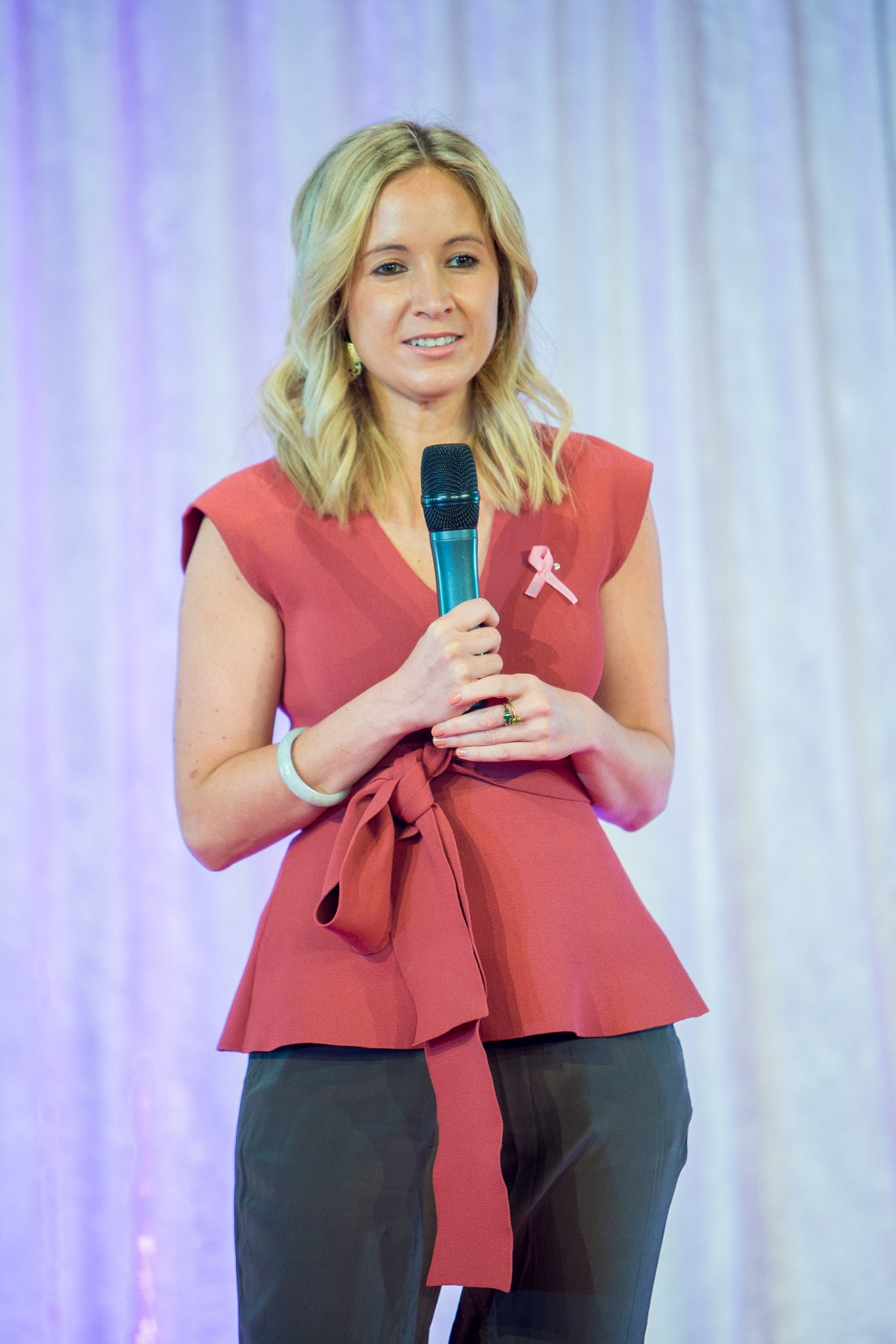 meet zara oh my goodness zara delivers the keynote speech in front of 850 guests at victorian events committee s 12th annual